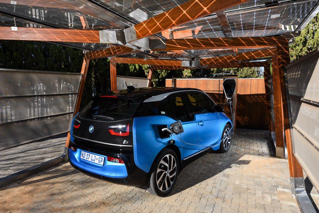 BMW, electric car, electric vehicle, green car, BMW i3, BMW i-range, smetechguru