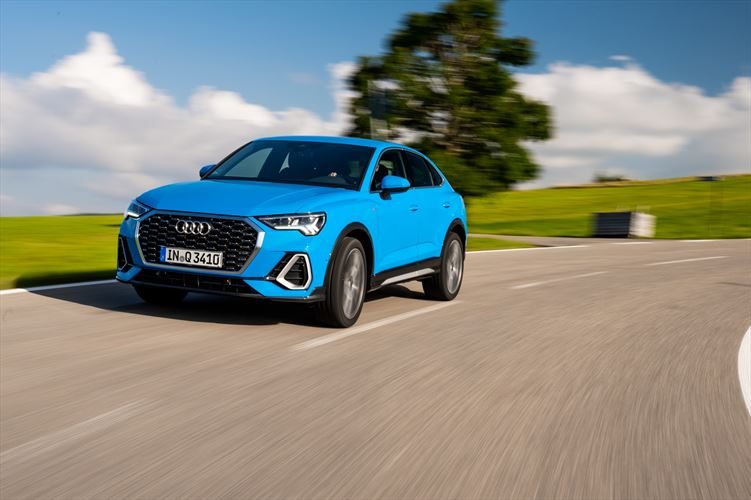 Compact crossover with athletic elegance: The all-new Audi Q3 Sportback